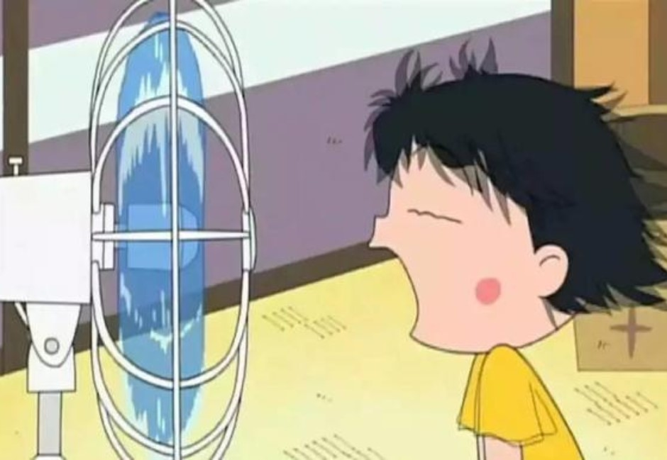 對電風扇講話、看到米袋一定要拍!小時候「無聊小事」你做過嗎?