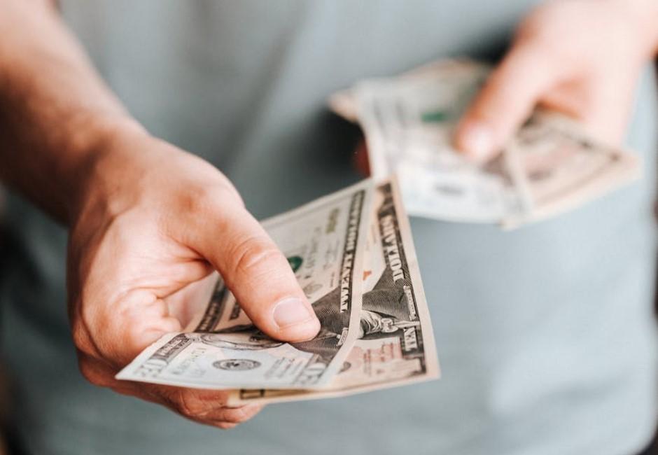 網友「面試完談好薪資」報到首日被砍薪3千 少做這件事只能自己往肚子吞
