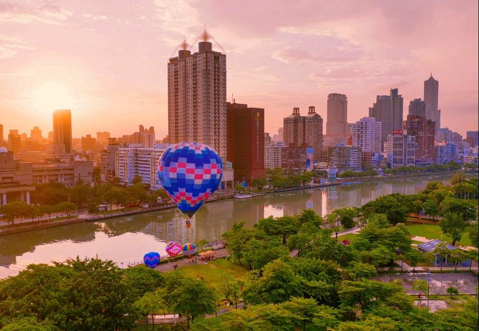 高雄新景點+1!「月世界熱氣球」媲美土耳其 最快10月就可搭