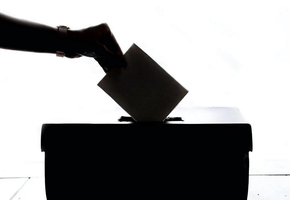 行政院拍板通過!「不在籍投票」是什麼?有何爭議與優點?懶人包一次看