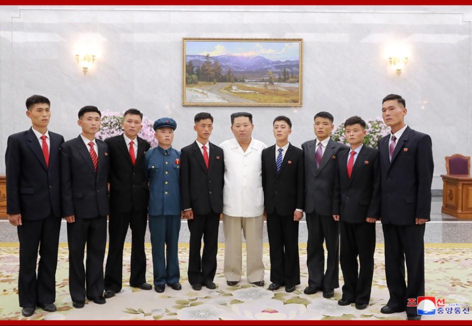 原地被動結婚?傳金正恩執行「強制配對」增加勞動力 北韓單身漢找藉口狂逃