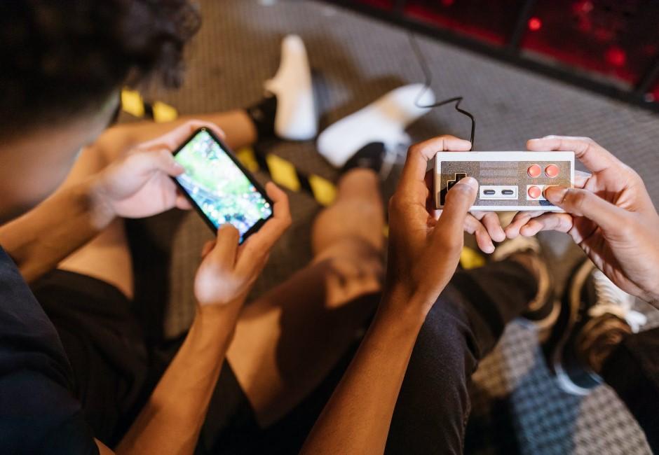反制電玩宵禁令!中國未成年人「租帳號」鑽漏洞 花140元只為多玩2小時
