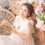 Bithia Lam - 小B)